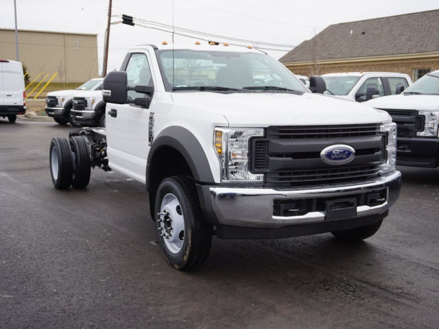 2019 F-550 Regular Cab DRW 4x2,  Cab Chassis #IZZ0854 - photo 4