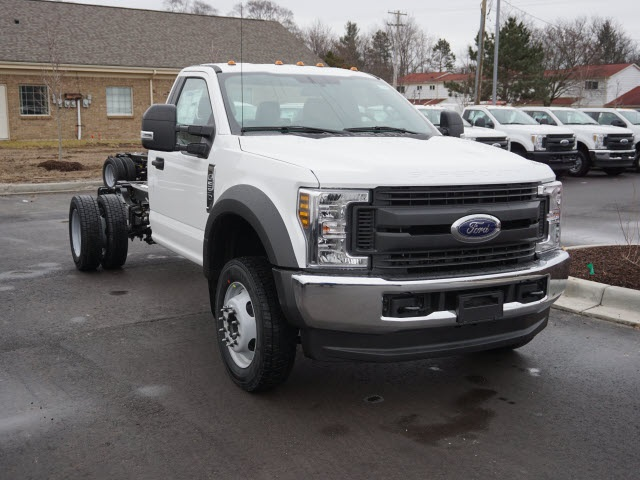 2019 F-550 Regular Cab DRW 4x4,  Cab Chassis #IZZ1042 - photo 4