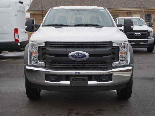2019 F-550 Regular Cab DRW 4x2,  Cab Chassis #IZZ1043 - photo 3