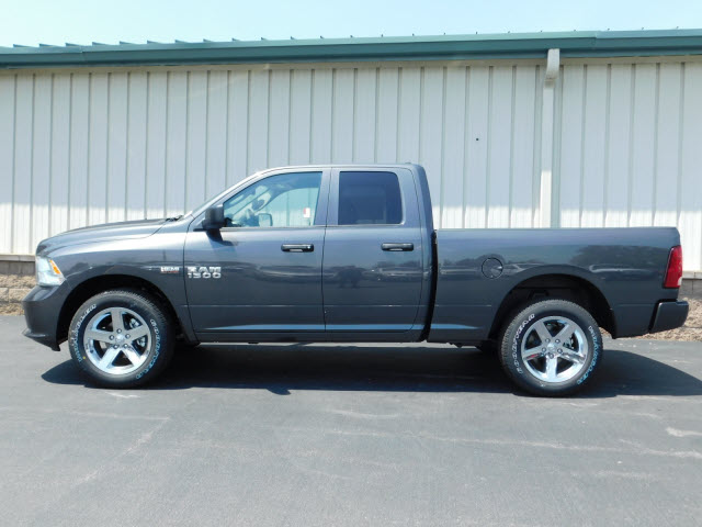 2018 Ram 1500 Quad Cab 4x4,  Pickup #18702 - photo 4
