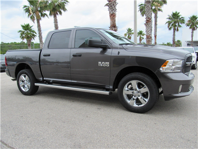 2017 Ram 1500 Crew Cab 4x4 Pickup #R17546 - photo 3