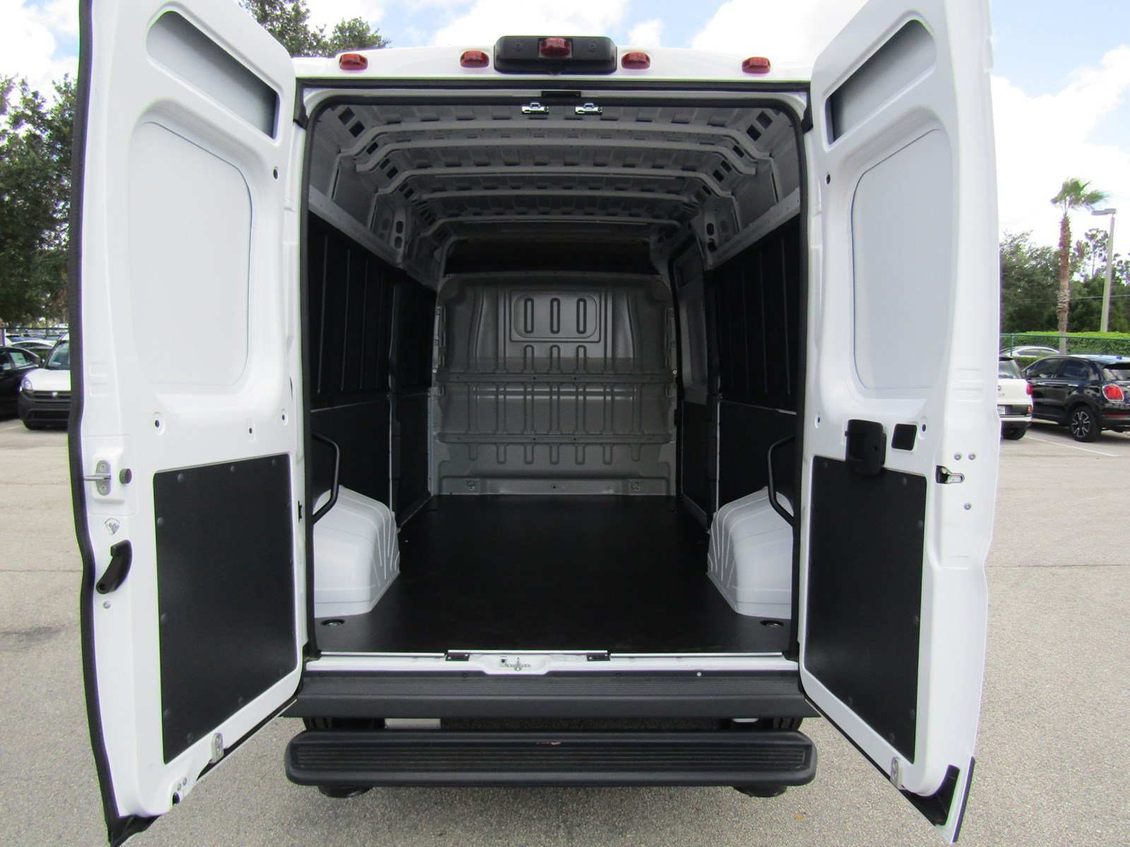 2017 ProMaster 2500 High Roof, Cargo Van #R17612 - photo 12