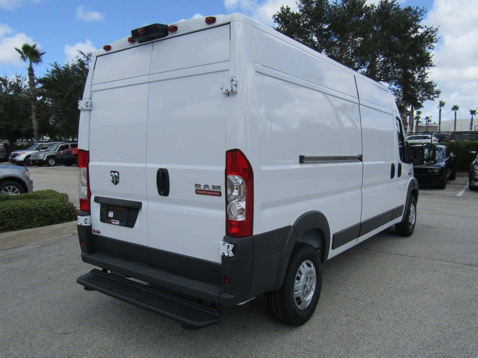 2017 ProMaster 2500 High Roof, Cargo Van #R17612 - photo 5