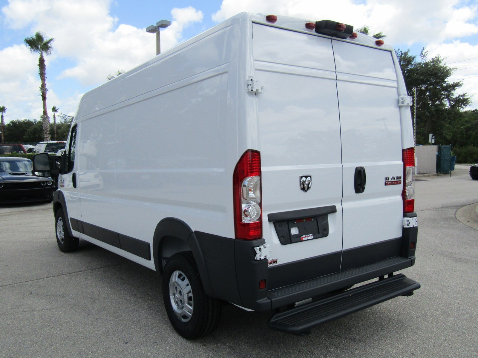 2017 ProMaster 2500 High Roof, Cargo Van #R17612 - photo 7
