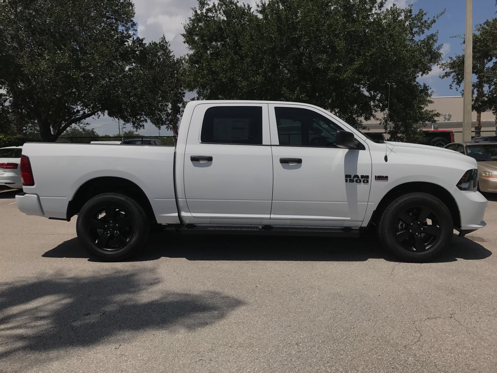 2017 Ram 1500 Crew Cab 4x4, Pickup #R17703 - photo 6