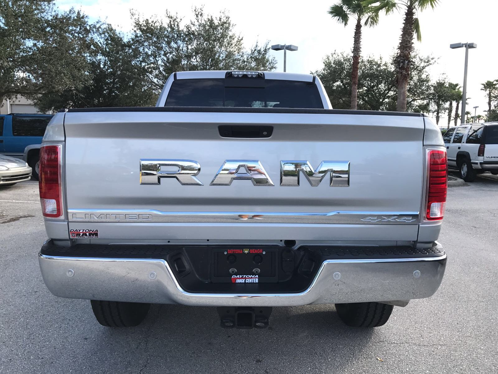 2018 Ram 3500 Crew Cab 4x4 Pickup #R18014 - photo 7