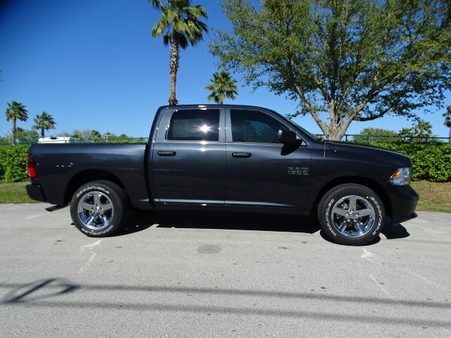 2018 Ram 1500 Crew Cab, Pickup #R18310 - photo 5