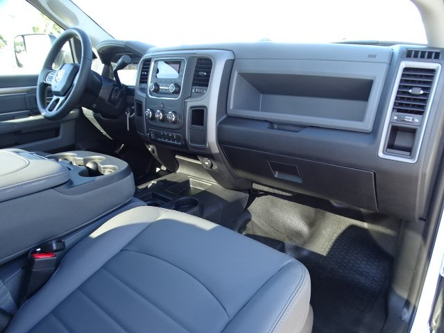 2018 Ram 5500 Regular Cab DRW 4x4,  Cab Chassis #R18325 - photo 12