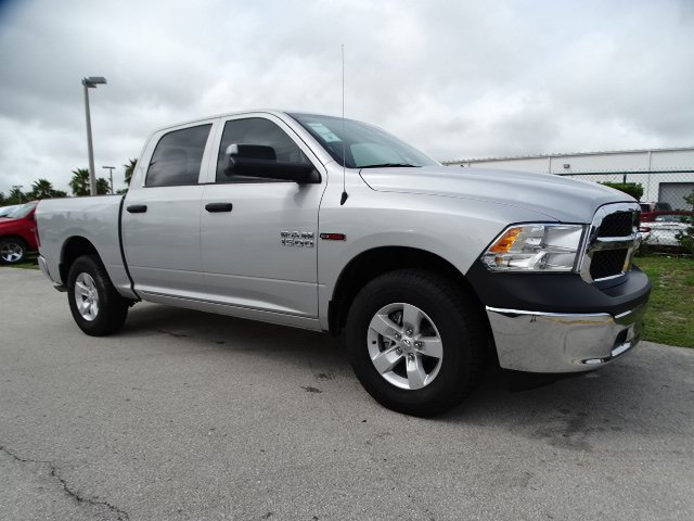 2018 Ram 1500 Crew Cab 4x2,  Pickup #R18385 - photo 3