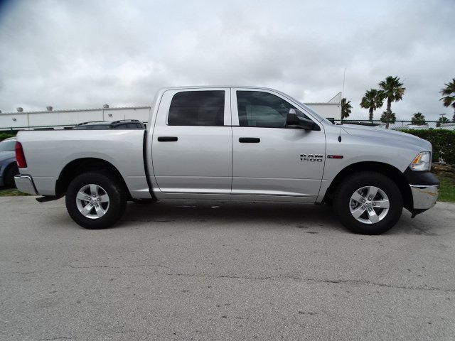 2018 Ram 1500 Crew Cab 4x2,  Pickup #R18385 - photo 5
