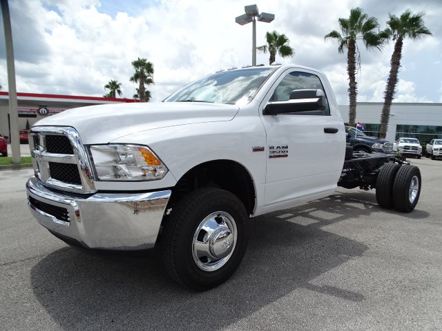2018 Ram 3500 Regular Cab DRW 4x2,  Cab Chassis #R18515 - photo 7