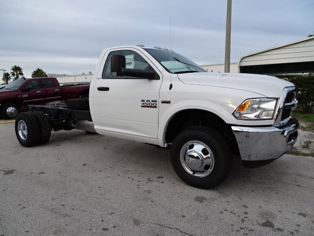 2018 Ram 3500 Regular Cab DRW 4x2,  Cab Chassis #R18615 - photo 9