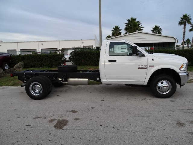 2018 Ram 3500 Regular Cab DRW 4x2,  Cab Chassis #R18615 - photo 10
