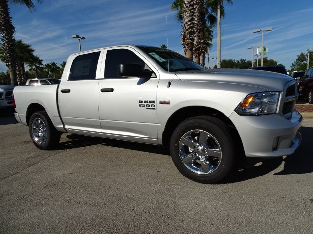2019 Ram 1500 Crew Cab 4x2,  Pickup #R19235 - photo 3
