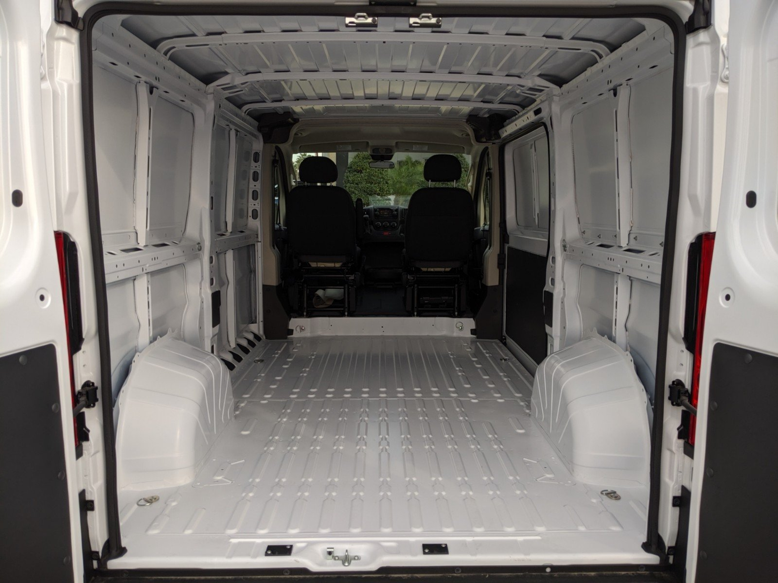2020 ProMaster 2500 Standard Roof FWD, Empty Cargo Van #R20141 - photo 1