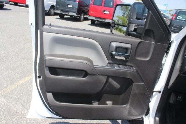 2017 Silverado 2500 Double Cab 4x4, Reading Service Body #17-1471 - photo 22