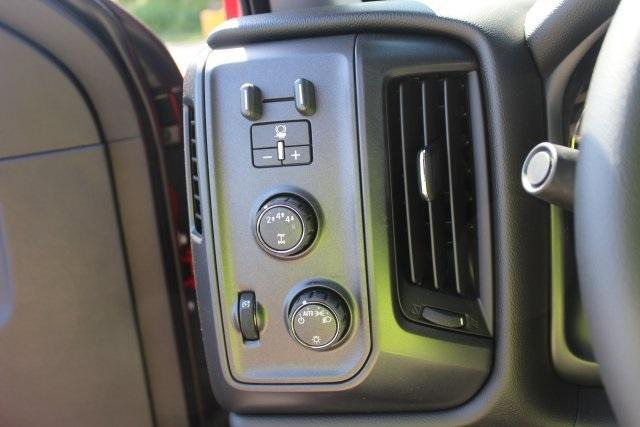 2017 Silverado 3500 Crew Cab 4x4, Freedom Contractor Body #17-1587 - photo 20