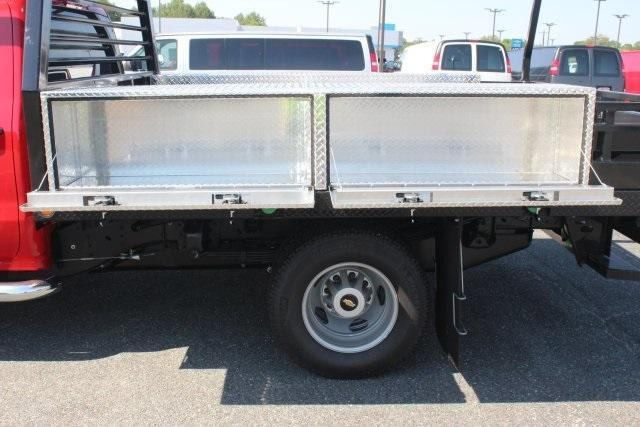 2017 Silverado 3500 Crew Cab 4x4, Freedom Contractor Body #17-1587 - photo 31