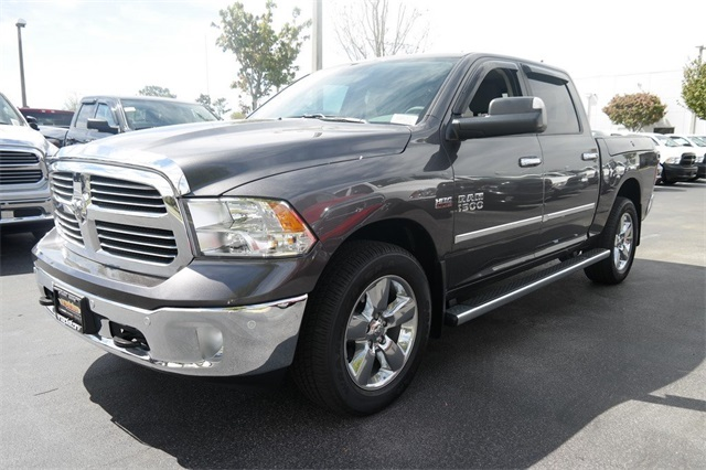 2017 Ram 1500 Crew Cab 4x4, Pickup #HS535360 - photo 7