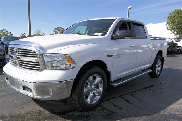 2017 Ram 1500 Crew Cab 4x4, Pickup #HS879018 - photo 5