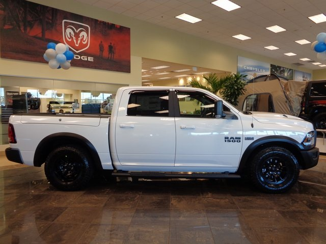 2018 Ram 1500 Crew Cab 4x4 Pickup #JS190067 - photo 11