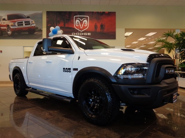 2018 Ram 1500 Crew Cab 4x4 Pickup #JS190067 - photo 3
