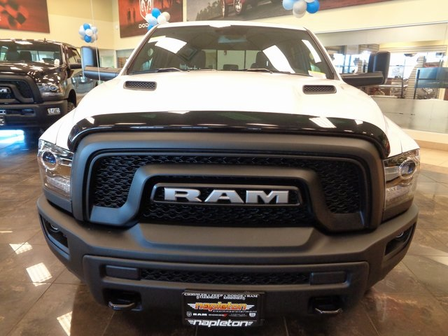 2018 Ram 1500 Crew Cab 4x4 Pickup #JS190067 - photo 4