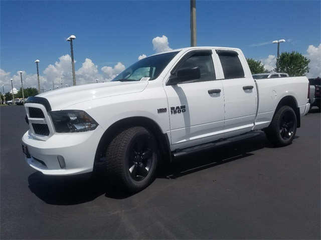 2018 Ram 1500 Quad Cab 4x4,  Pickup #JS301457 - photo 4