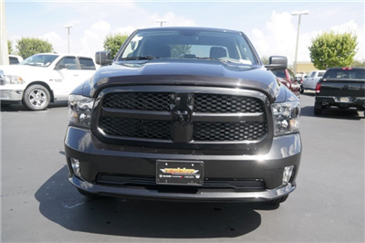 2018 Ram 1500 Quad Cab 4x2,  Pickup #JS336811 - photo 3