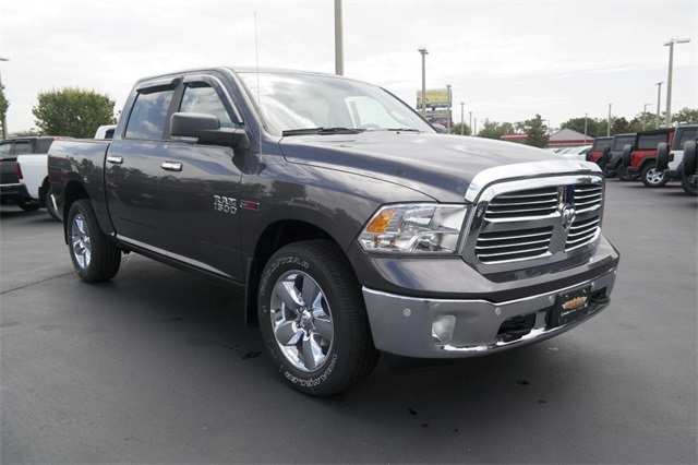 2018 Ram 1500 Crew Cab 4x4,  Pickup #JS339594 - photo 3