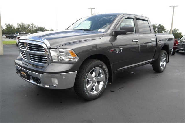 2018 Ram 1500 Crew Cab 4x4,  Pickup #JS339594 - photo 5