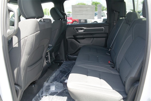 2019 Ram 1500 Crew Cab 4x4,  Pickup #KN538786 - photo 6