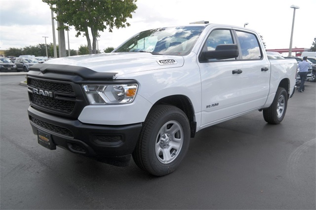 2019 Ram 1500 Crew Cab 4x2,  Pickup #KN567470 - photo 4