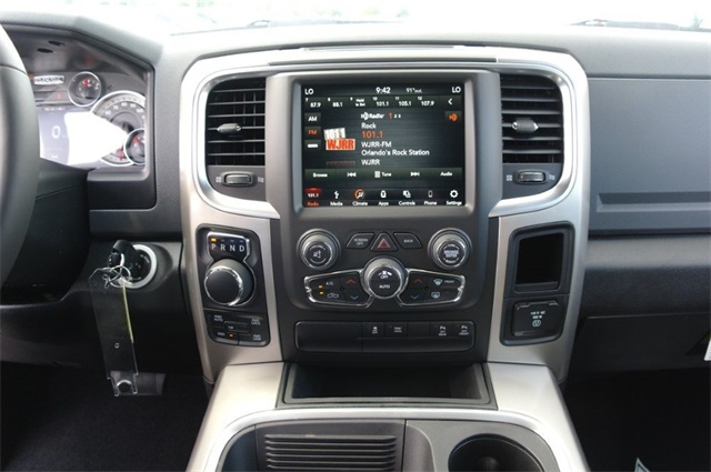 2019 Ram 1500 Crew Cab 4x4,  Pickup #KS560045 - photo 14