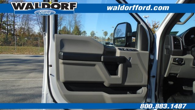 2017 F-550 Crew Cab DRW Cab Chassis #WH7684 - photo 15