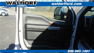 2018 F-150 SuperCrew Cab 4x4, Pickup #WJ5352 - photo 18