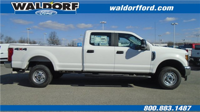 2018 F-250 Crew Cab 4x4, Pickup #WJ5568 - photo 4