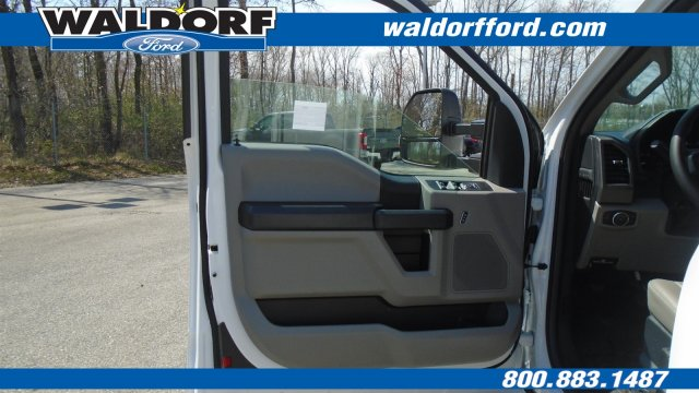 2018 F-350 Super Cab 4x2,  Reading Space Cap Pickup #WJ5646 - photo 24