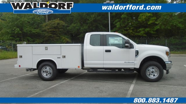 2018 F-350 Super Cab 4x4,  Reading Service Body #WJ6097 - photo 4