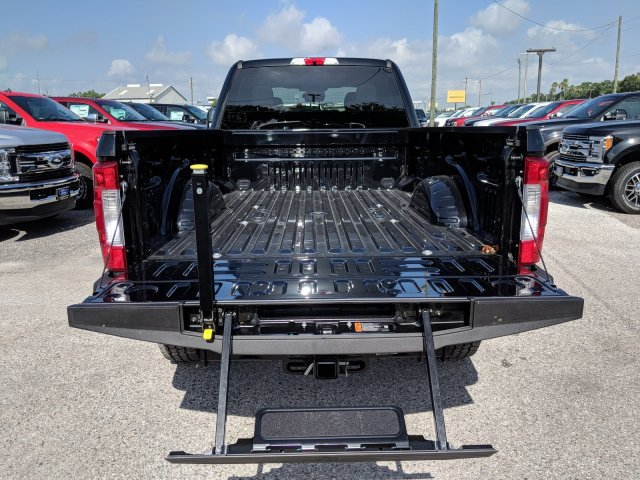 2019 F-250 Crew Cab 4x4, Pickup #DD1042 - photo 17