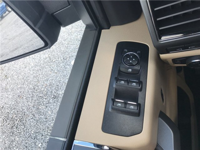 2018 F-150 SuperCrew Cab 4x2,  Pickup #J2518 - photo 22
