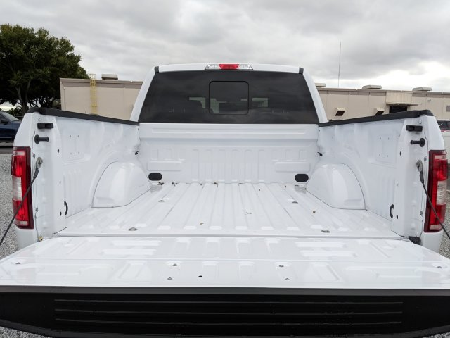 2018 F-150 SuperCrew Cab 4x4,  Pickup #J8538 - photo 10