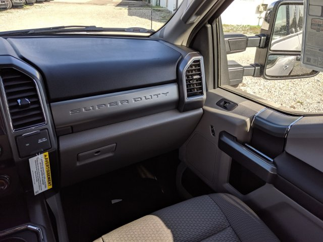 2020 F-250 Crew Cab 4x4, Pickup #L2351 - photo 17