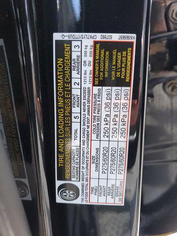 2017 Nissan Titan Crew Cab 4x4, Pickup #L6037A - photo 33