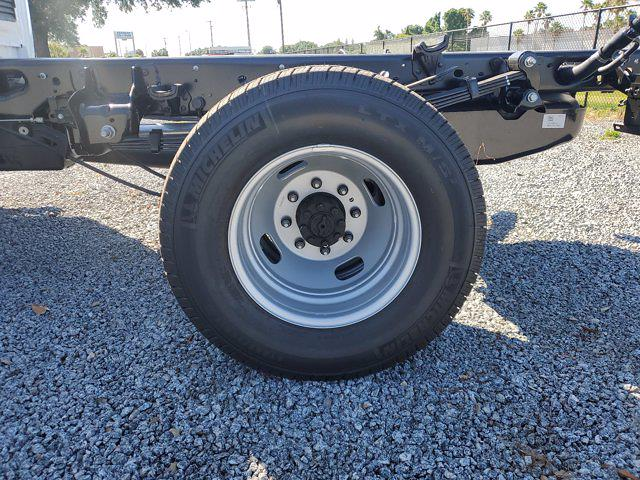 2021 Ford F-350 Crew Cab DRW 4x4, Cab Chassis #M2369 - photo 8