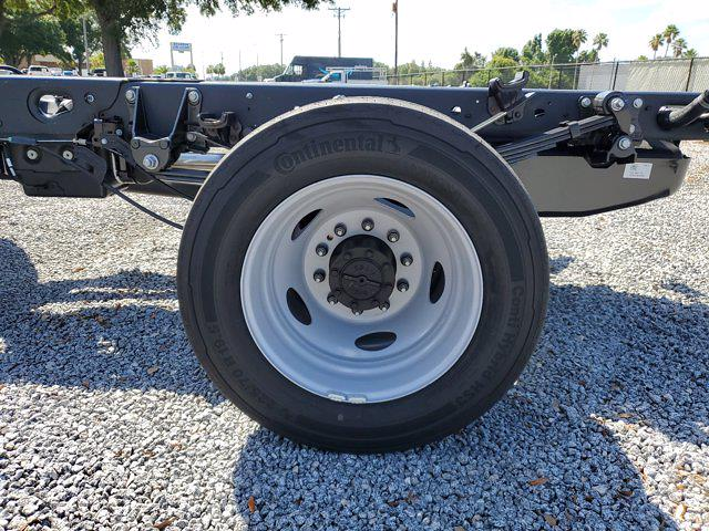 2021 Ford F-550 Crew Cab DRW 4x4, Cab Chassis #M2447 - photo 9