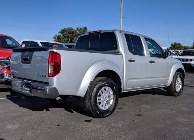 2019 Frontier Crew Cab 4x4, Pickup #R9257 - photo 1
