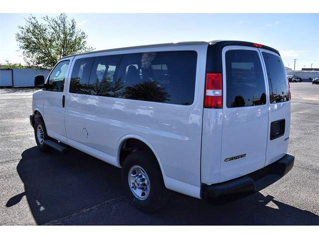 2020 Chevrolet Express 2500 4x2, Passenger Wagon #A02275 - photo 4