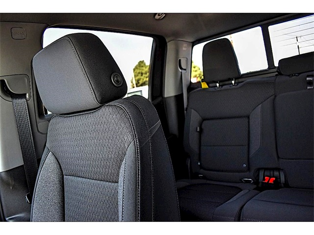 2020 Chevrolet Silverado 1500 Crew Cab 4x2, Pickup #A02288 - photo 13