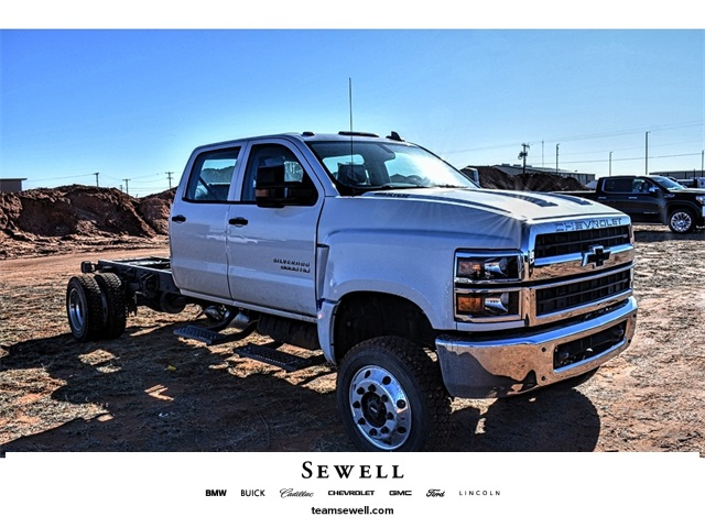 2020 Chevrolet Silverado 5500 Crew Cab DRW 4x4, Cab Chassis #A08765 - photo 1